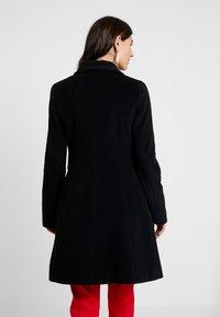comma - COAT - Frakker / klassisk frakker - black - 2