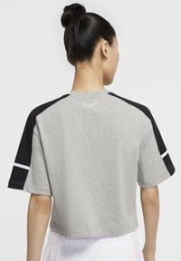 Nike Sportswear - ARCHIVE - Print T-shirt - dark grey heather/black/white - 2