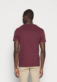 Pier One - 2 PACK - T-shirts basic - bordeaux - 2