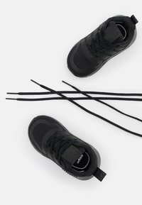 adidas Originals - SMOOTH RUNNER SHOES - Sneakers basse - core black - 5
