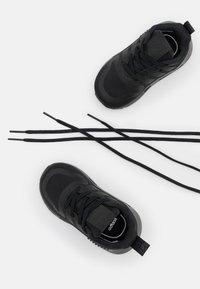 adidas Originals - MULTIX UNISEX - Baby shoes - core black - 5