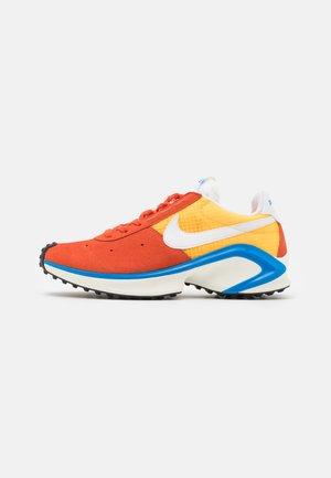 D/MS/X WAFFLE - Sneakers - mantra orange/white/laser orange/photo blue/sail