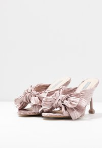 Nly by Nelly - FLIRTY BOW MULE - Mules à talons - pink - 4
