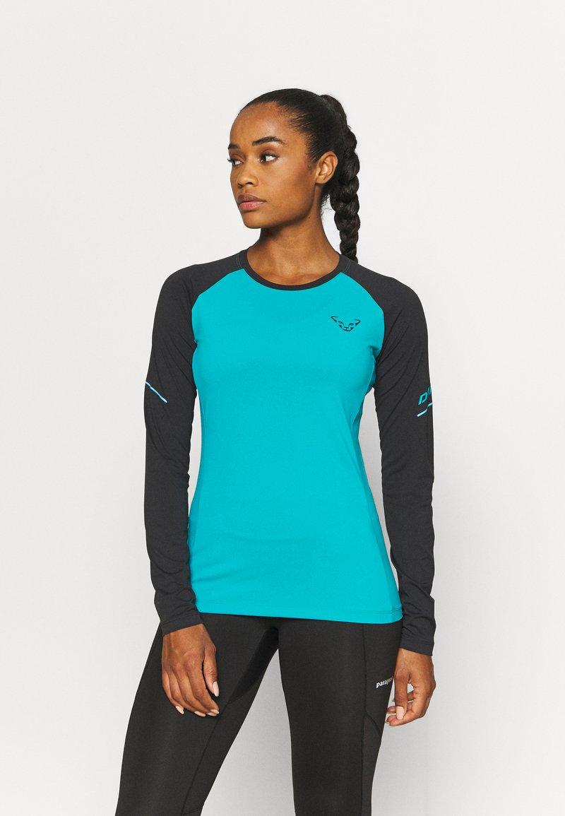 Dynafit - ALPINE PRO TEE - Sports shirt - black out ocean
