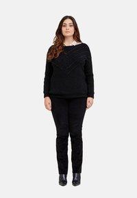 Fiorella Rubino - Trousers - nero - 1