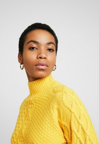 Dorothy Perkins - CABLE JUMPER - Trui - Yellow - 3