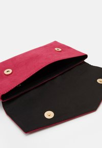 Dorothy Perkins - STITCHED METAL BAR CLUTCH - Clutch - pink - 2
