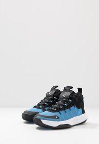 Jordan - JUMPMAN 2020 - Obuwie do koszykówki - university blue/metallic silver/black - 3