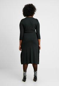 Dorothy Perkins Curve - 3/4 SLEEVE MIDI - Robe en jersey - green - 2