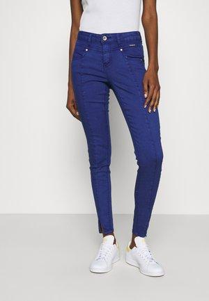 AMALIE KATY - Slim fit jeans - deep ultramarine