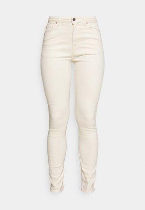 SHELLY - Jeans Skinny Fit - ecru denim
