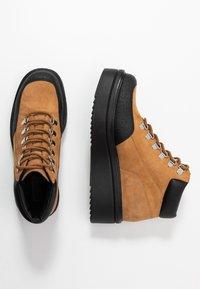 Vagabond - TARA - Ankle boots - golden oat - 3