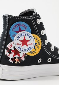Converse - CHUCK TAYLOR ALL STAR LOGO PLAY - Baskets montantes - black/university red/amarillo - 2