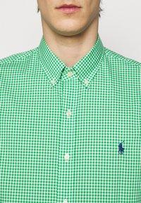 Polo Ralph Lauren - NATURAL - Shirt - green/white - 4
