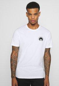 YOURTURN - UNISEX - Print T-shirt - white - 2
