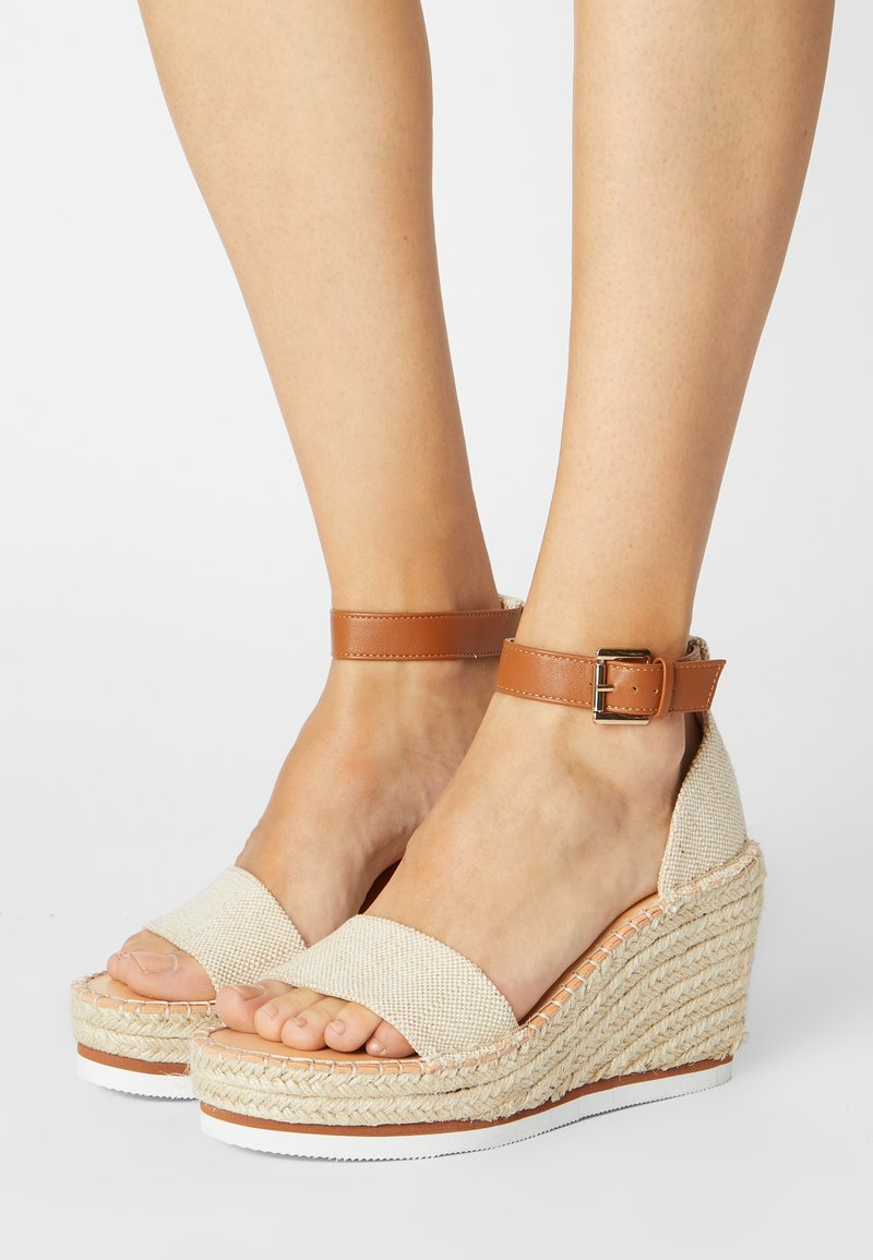 Madden Girl - ANASTASIA - Sandały na platformie - natural