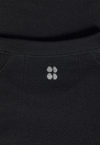Sweaty Betty - ATHLETE SEAMLESS WORKOUT - T-shirt sportiva - black - 2