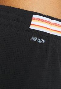 New Balance - SPEED FUEL SHORT - Sports shorts - black - 4