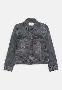 Calvin Klein Jeans - TRUCKER JACKET - Denim jacket - denim - 0