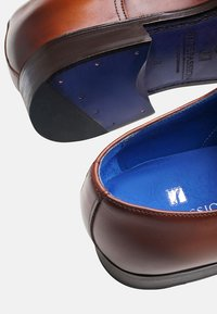 SHOEPASSION - NO. 5572 BL - Smart lace-ups - cognac - 4