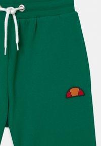 Ellesse - TOYLE - Shorts - dark green - 2