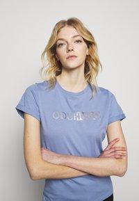 HUGO - THE SLIM TEE - T-shirts med print - bright blue - 3