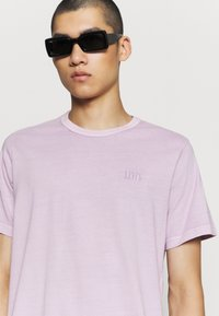 Levi's® - AUTHENTIC CREWNECK TEE - Basic T-shirt - lavender frost - 3