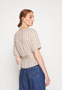 Madewell - LUCY WRAP IN GINGHAM - Bluser - brown/white - 2