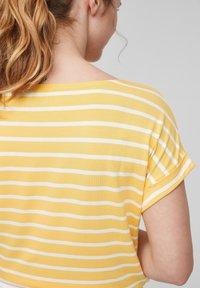 s.Oliver - Print T-shirt - sunset yellow stripes - 5