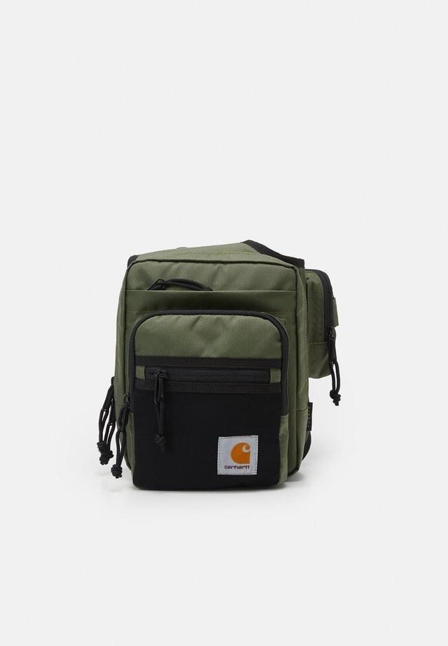 DELTA SHOULDER BAG UNISEX - Ledvinka - dollar green