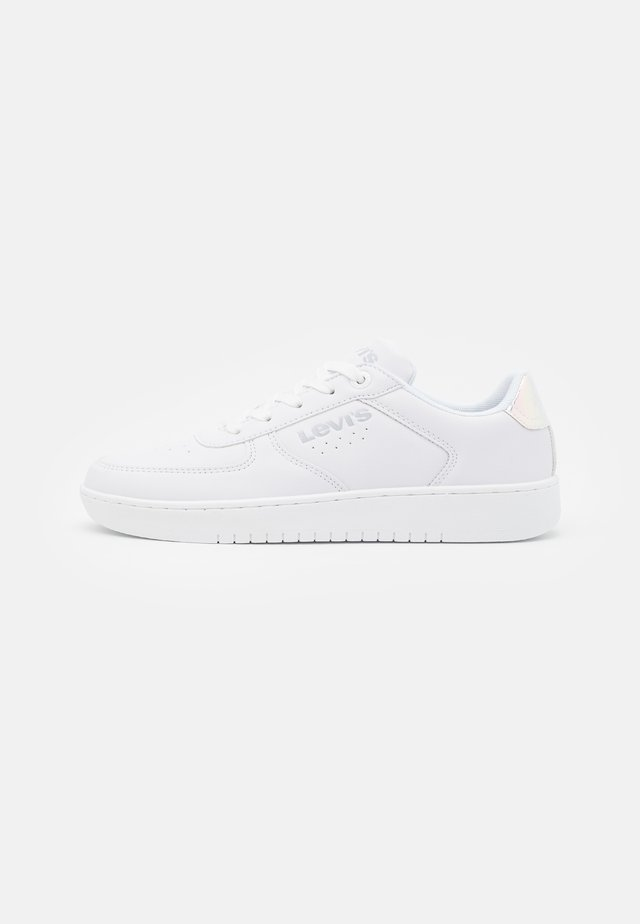 NEW UNION UNISEX - Trainers - white/metallic silver