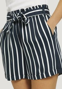 TOM TAILOR DENIM - RELAXED - Shorts - navy white stripe - 4