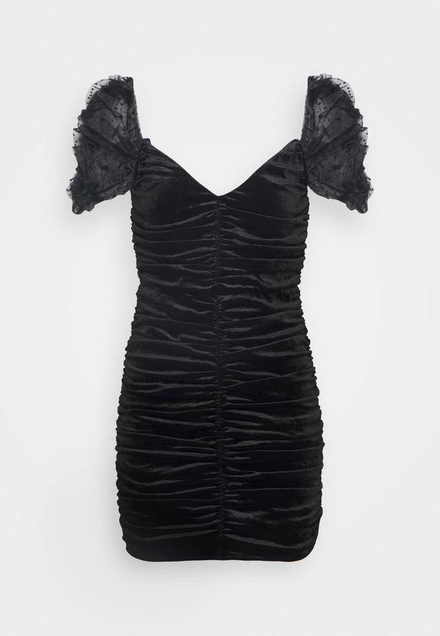 COSTELLO RUCHED DETAIL DOBBY PUFF SLEEVE DRESS - Vestito elegante - black
