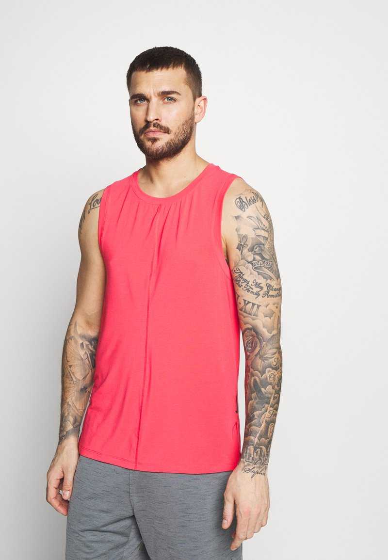 Nike Performance - TANK  - Camiseta de deporte - light fusion red/black