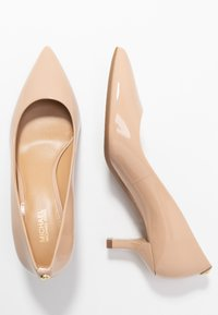 MICHAEL Michael Kors - KATERINA FLEX KITTEN - Klassiske pumps - light blush - 3