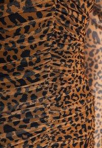 Missguided Tall - LEOPARD RUCHED MINI DRESS - Etui-jurk - tan - 2