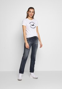 Hollister Co. - INCREMENTAL TECH CORE - Print T-shirt - white