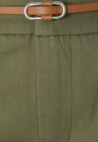 b.young - DAYS CIGARET PANTS  - Chinos - olive night - 7
