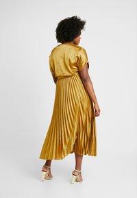New Look Curves - GO PLEATED DRESS - Day dress - dark yellow - 2