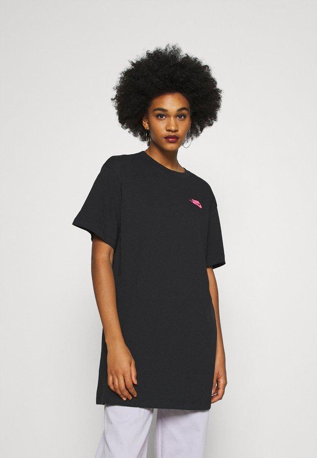 FESTIVAL DRESS - Jersey dress - black/digital pink