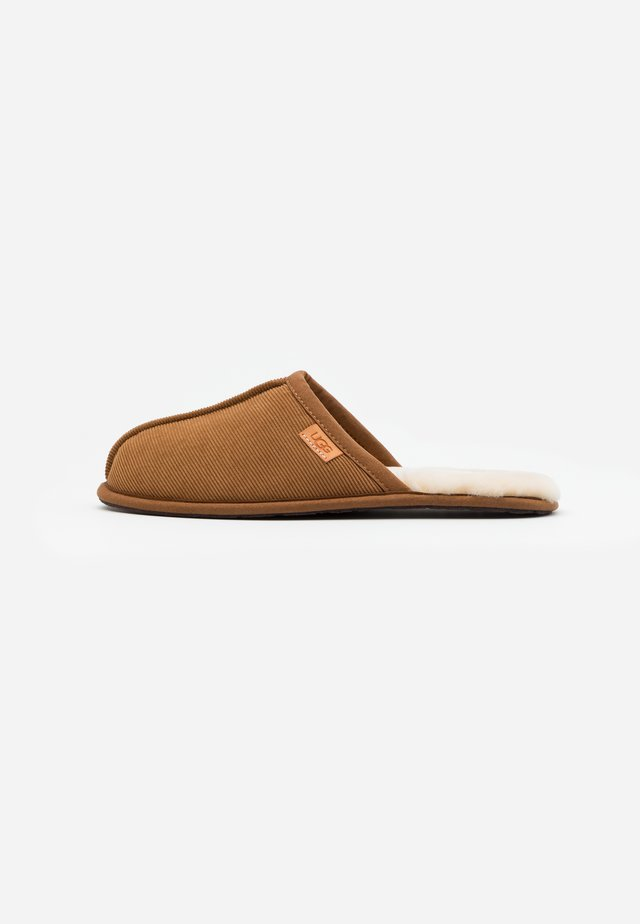 SCUFF  - Chaussons - chestnut