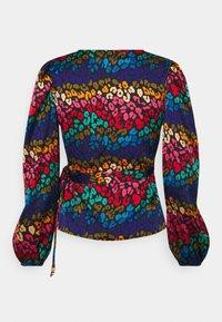 Never Fully Dressed Petite - RAINBOW SWIRL WRAP  - Blouse - multi - 1