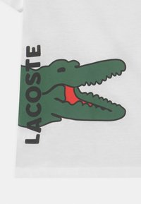 Lacoste - TEE TURTLE NECK LOGO UNISEX - Printtipaita - blanc - 2