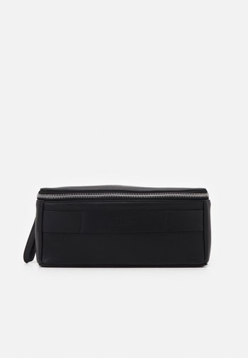 FLY BOXY TOILETRY - Wash bag - black