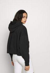 Nike Sportswear - TREND - Zip-up hoodie - black/white - 2