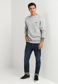 Alpha Industries - BASIC SMALL LOGO - Sweatshirt - grey heather - 1