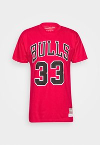 Mitchell & Ness - NBA CHICAGO BULLS SCOTTIE PIPPEN NAME AND NUMBER TEE - Article de supporter - red - 3