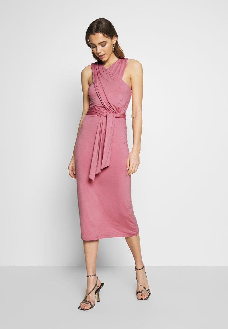 Lost Ink - CROSS FRONT TIE WAIST DRESS - Jerseykjole - pink