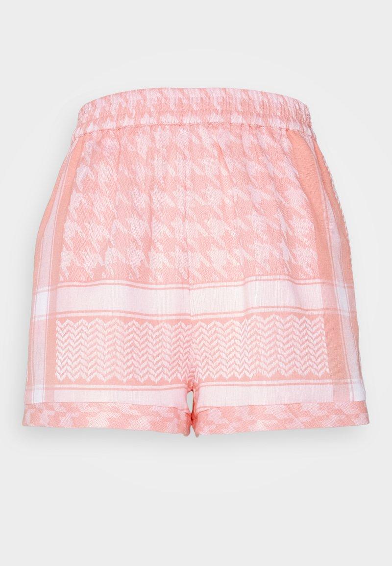 CECILIE copenhagen - LIGHT - Shorts - flush