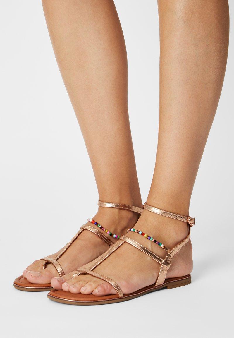 Tamaris - Sandály s odděleným palcem - rose metallic